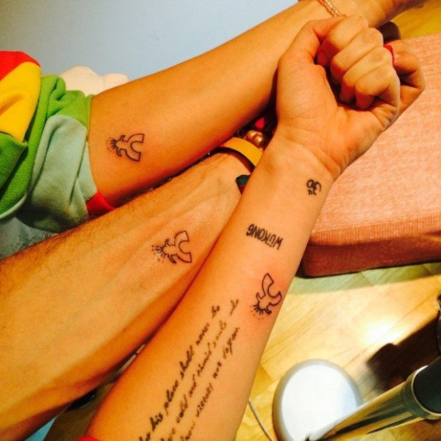 miley-cyrus-friends-arm-tattoos