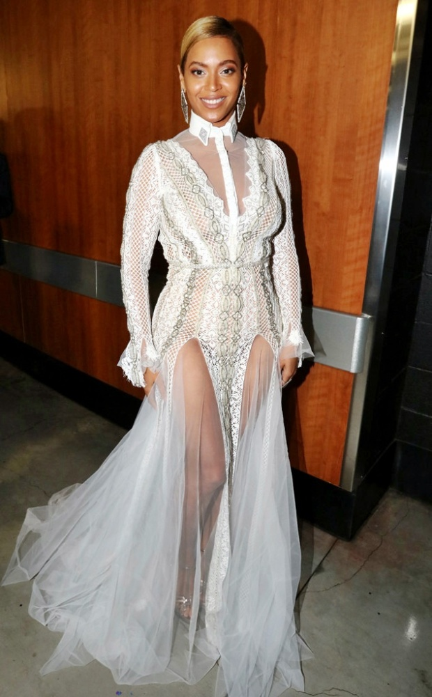 rs_634x1024-160215201547-634-beyonce-grammy-white.ls.21516
