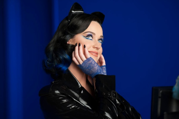 katy-perry-covergirl01